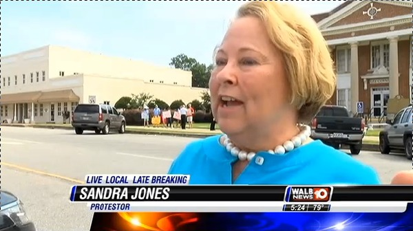 600x336 Sandra Jones, Colquitt County landowner, in Stills from WALB about Leesburg pipeline hearing, by John S. Quarterman, for SpectraBusters.org, 10 July 2014