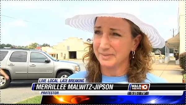 600x338 Merrillee Malwitz-Jipson, Our Santa Fe River, in Stills from WALB about Leesburg pipeline hearing, by John S. Quarterman, for SpectraBusters.org, 10 July 2014
